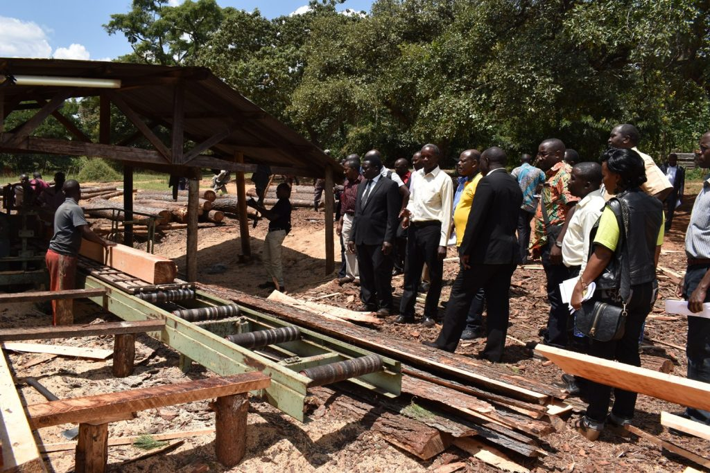 - Vice Chancellor, Prof. Barnabas Nawangwe and members of Management inspect the Nyabyeya Forestry College sawmill