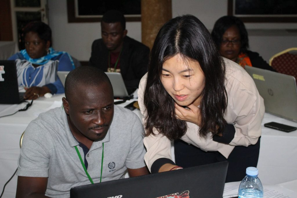 - IFIPRI Ara Go explains to one of the participants