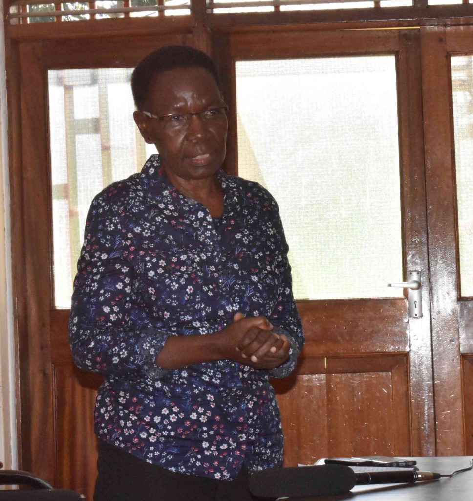- Pof. Amelia Kivaisi speaking to farmers during the training at Kabanyolo